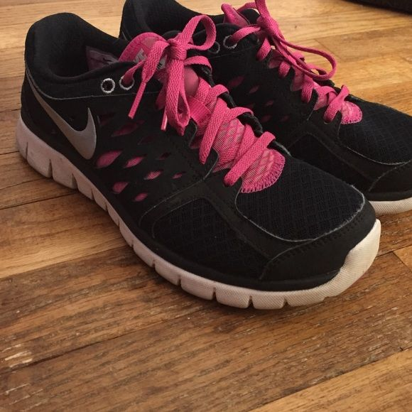 Black And Pink Nike Sneakers Pink Nikes Nike Flex And Shoes Sneakers