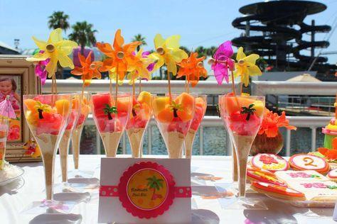 Hawaiian Luau Birthday Party Ideas | Photo 14 of 22 | Catch My Party #hawaiianluauparty