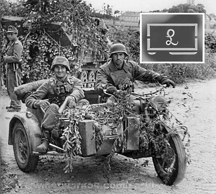 Bmw R75 Normandia En Las Proximidades De Juaye Mondaye A Principios De Junio De 1944 Wwii Vehicles Military Motorcycle Wwii Photos