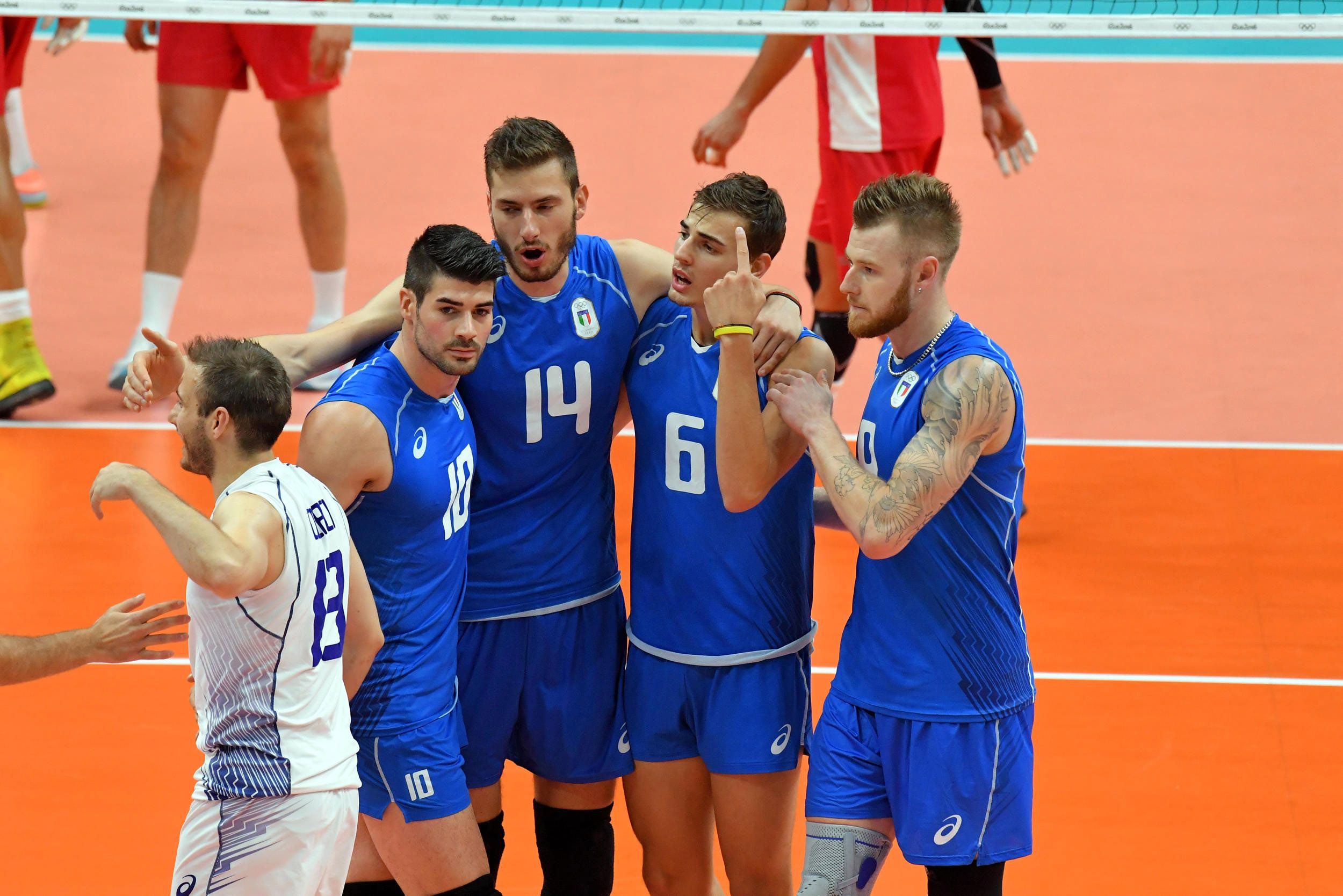 Italy Celebrate A Point Against Mexico In 2020 Volleyball Sports Jersey Celebrities