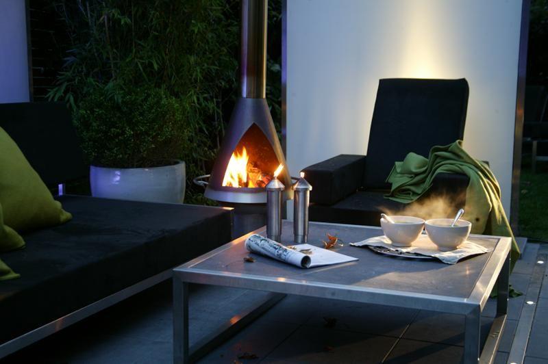 Ook in de #winter kun je heerlijk van je tuin #genieten. http://www.zitlekker.nl voor het goede buitenleven.