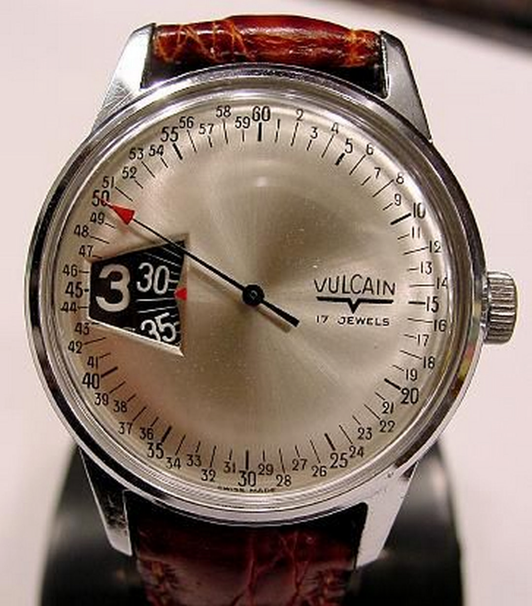 5fa5451d103 5 Elegant and Modern Analog Watch Designs for Posh Look