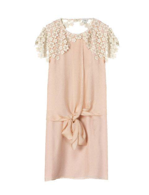 Vestido rosa palo con detalle de nudo deHoss Intropia.