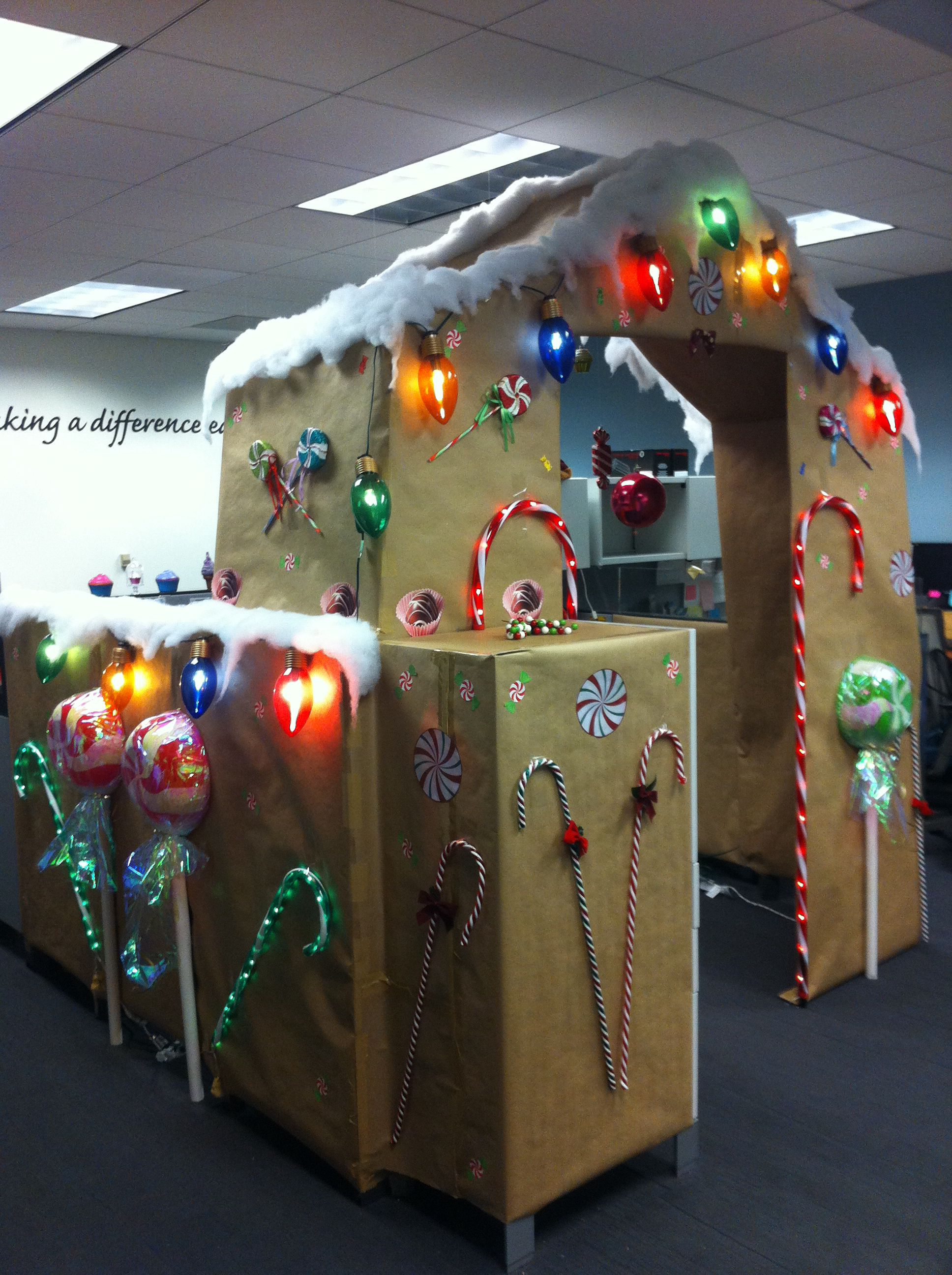 Cubicle decorating contest gingerbread cubicle smile for Cubicle decoration xmas