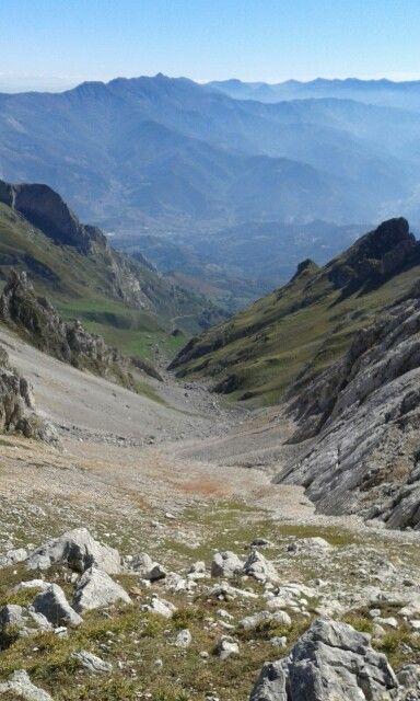 Canal De San Carlos Y Valle De Liébana Otoñoenpicos Picos De Europa Asturias Picos De Europa Parques Nacionales