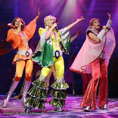 Slotapplaus En Fotocall Premiere Mamma Mia Musical Mamma Mia Theater