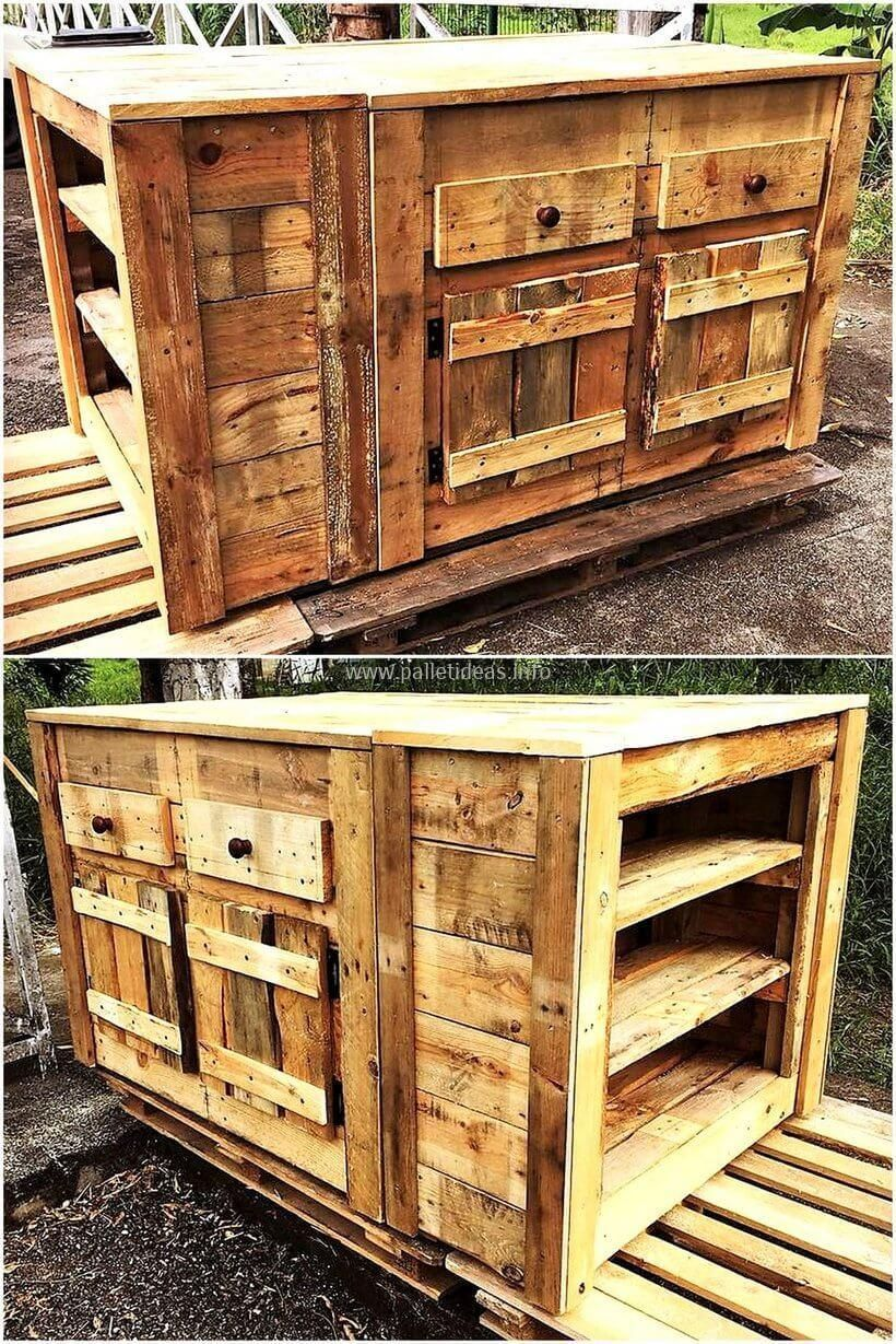 To make your kitchen pretty yet more useful craft this pallet rustic