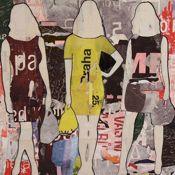 Praha Standing Girls