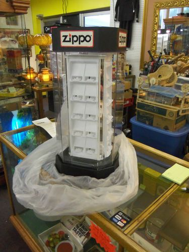 New Zippo 40 Lighter Manual Rotating Store Display Case In The