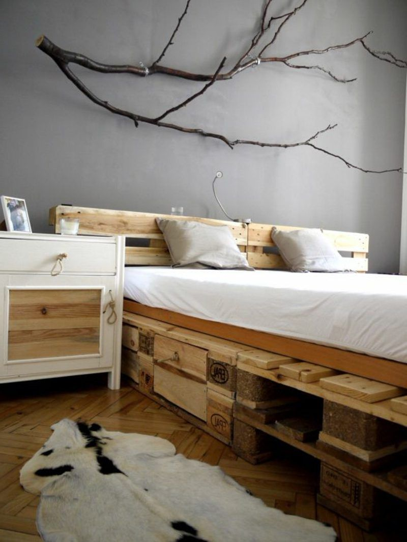 52 DIY Palettenbett Designs | Pinterest | Palettenbett, Schlafzimmer ...