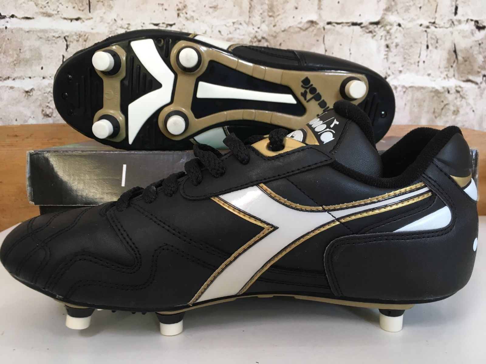 Vintage 1990s Diadora Squadra Sc Uk 8 Us 9 Eu 42 Football Boots Black Leather Og Ebay Football Boots Black Leather Boots Boots