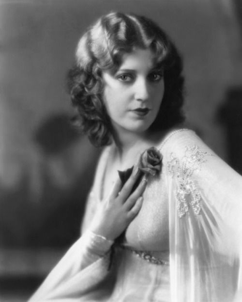 Pickurselfup: Jeanette MacDonald, Publicity Photo For The