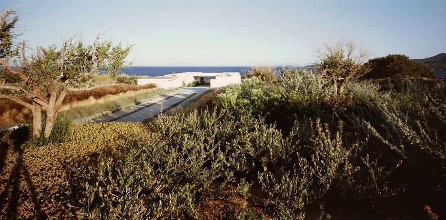horizon, Vois Architects, house, residence, island, Aegean Sea, Greece, Antiparos, greek architecture, contemporary architecture, minimalism #greekArchitecture #aegeansea horizon, Vois Architects, house, residence, island, Aegean Sea, Greece, Antiparos, greek architecture, contemporary architecture, minimalism #greekArchitecture #aegeansea