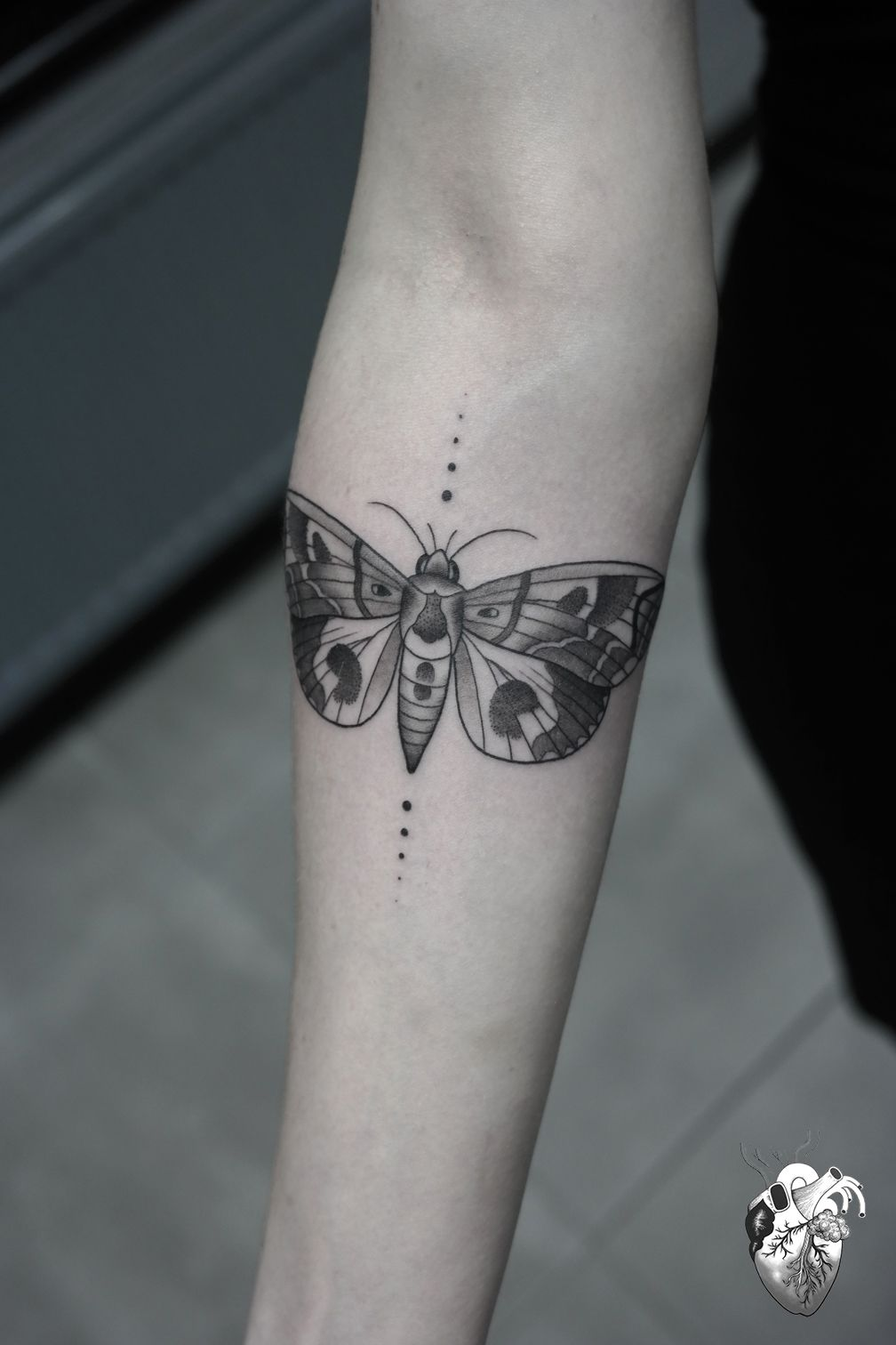 Geometric Moth Tattoo Google Search Moth Tattoo Tattoos Insect Tattoo
