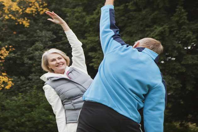 """न्यूयार्क: उम्रदराज लोगों के लिए प्रतिमिनट होने वाली शारीरिक गतिविधि का दिल की बीमारी और आकस्मिक मृत्यु के खतरे को कम करने में योगदान होता है। एक अध्ययन में यह बात पता चली है।फ्लोरिडा की गेंसविले स्थित यूनिवर्सिटी ऑफ फ्लोरिडा इंस्टीट्यूट ऑन एजिंग के वरिष्ठ शोधकर्ता थॉमस बुफोर्ड ने बताया, """"सीमित शारीरिक सक्रियता वाले उम्रदराज …"""