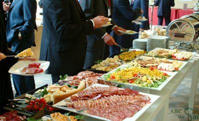 SAÚDE: Como ter uma alimentação saudável comendo em Buffe...