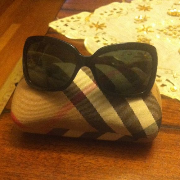 Burberry sunglasses. Burberry authentic sunglasses Burberry Accessories Sunglasses