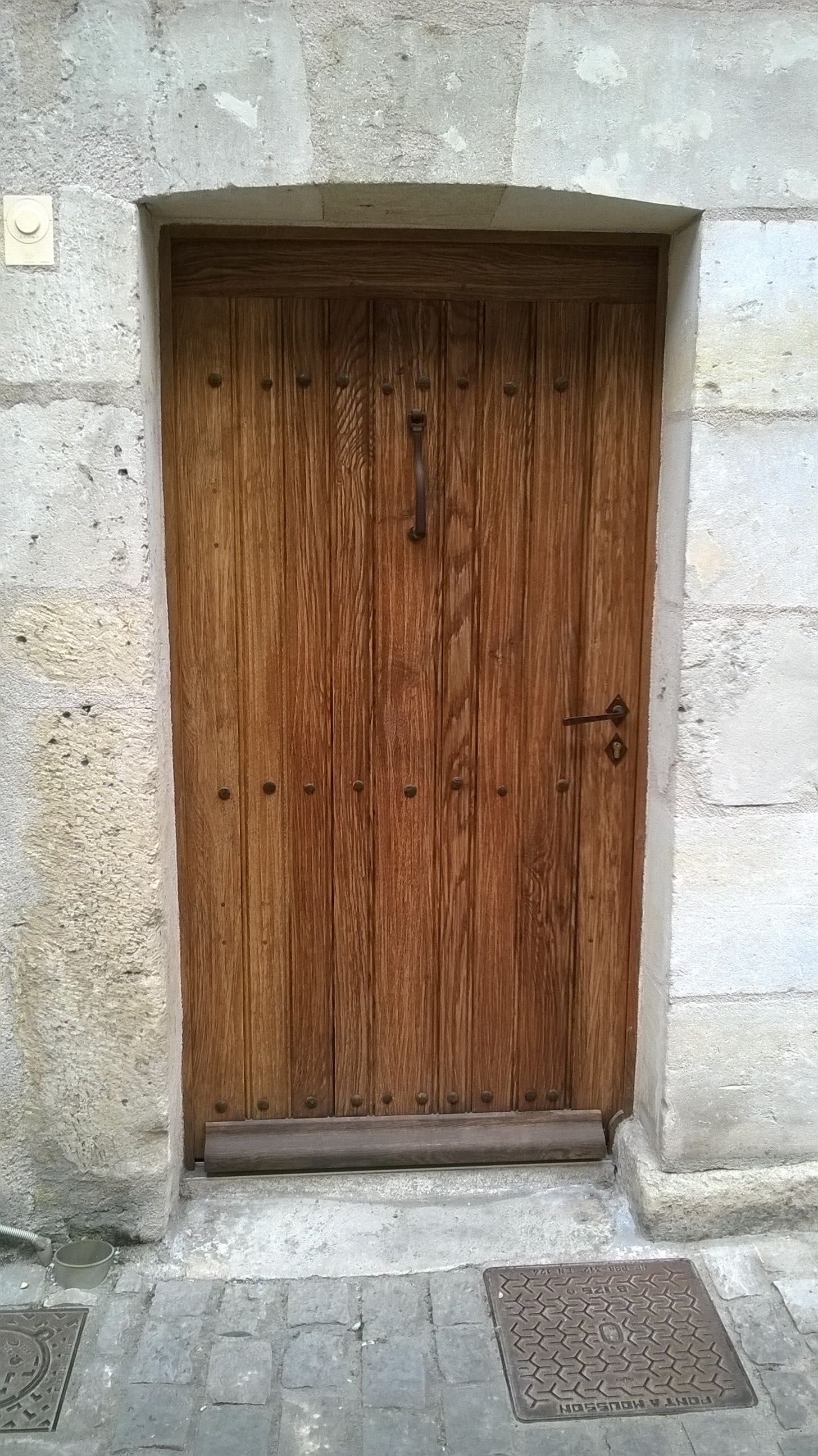 Fabrication Du0027une Porte Du0027entrée Sur Mesure En Chêne, Périmètre De Monument