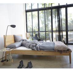 Aleria Bett Von Sulvag Im Ikarus Design Shop Bett Modern Ideen Fur Kleine Schlafzimmer Schlafzimmer Einrichten Ideen