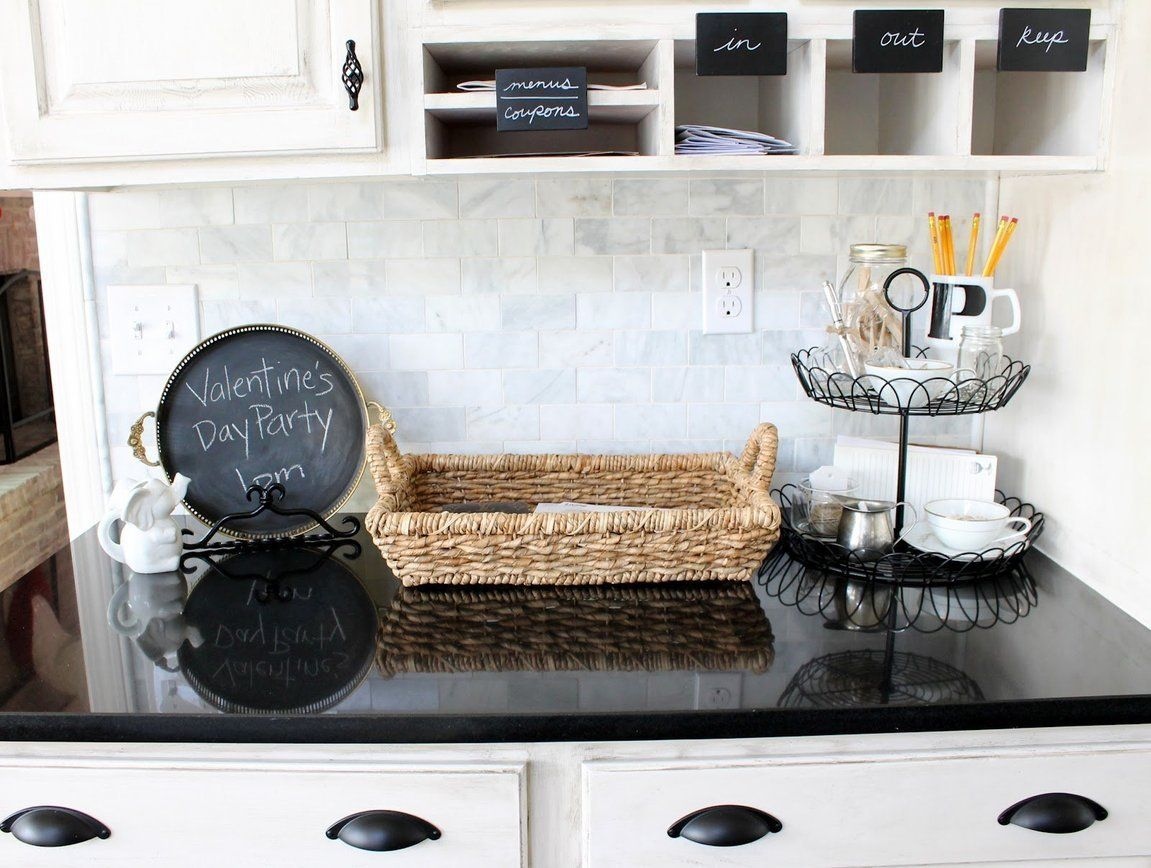 10 Pretty Ways to Keep Your Countertop