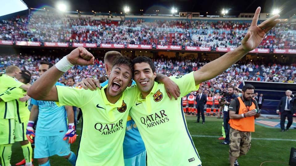 Neymar Y Suarez Campeones De La Liga Bbva Con El Barcelona Barcelona Soccer Neymar Jr Neymar