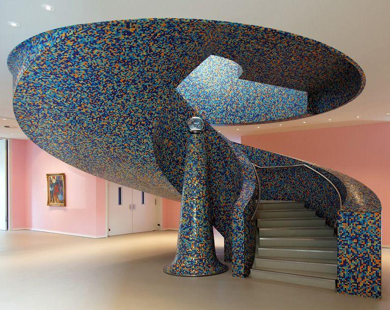 escalier 39 bloc 39 mosaique multicolore alessandro mendini mus e de groningue aux pays bas. Black Bedroom Furniture Sets. Home Design Ideas