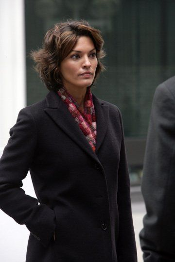 Still Of Alana De La Garza In Law Order 1990 Law And Order Svu