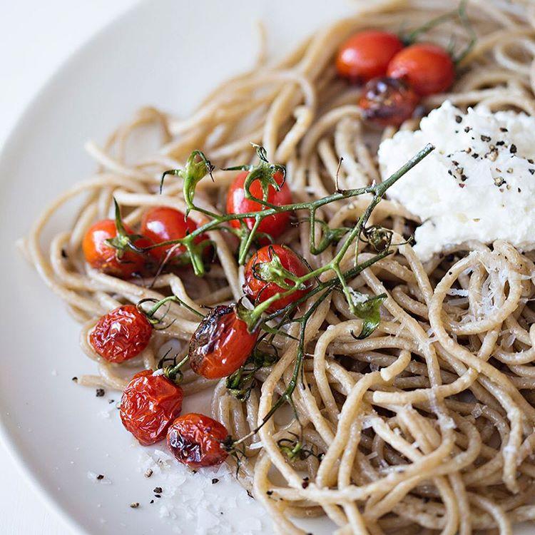 ILĀ | blistered tomatoes, olive oil, ricotta, cyprus salt