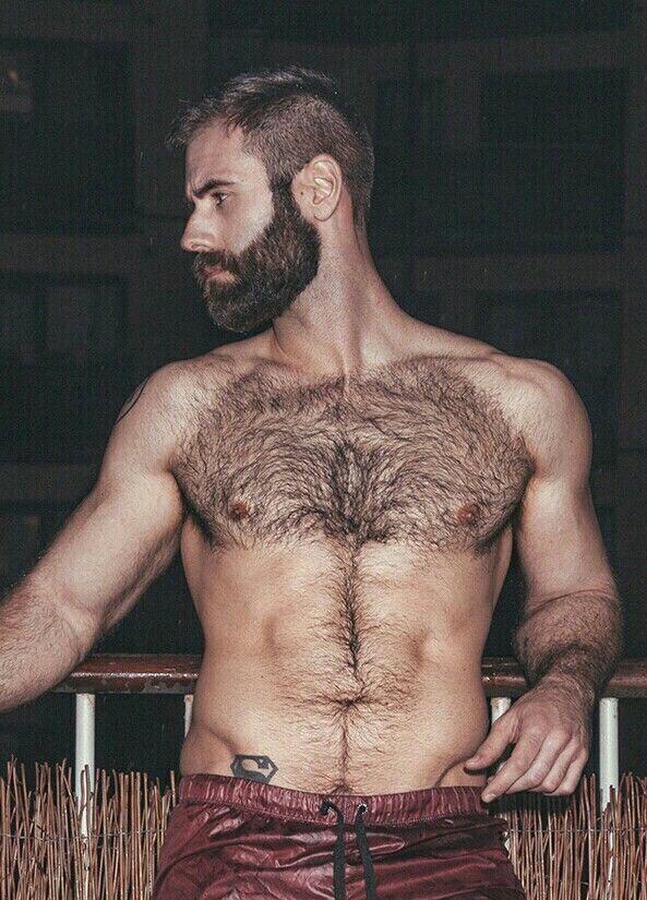 Haarige nackte manner