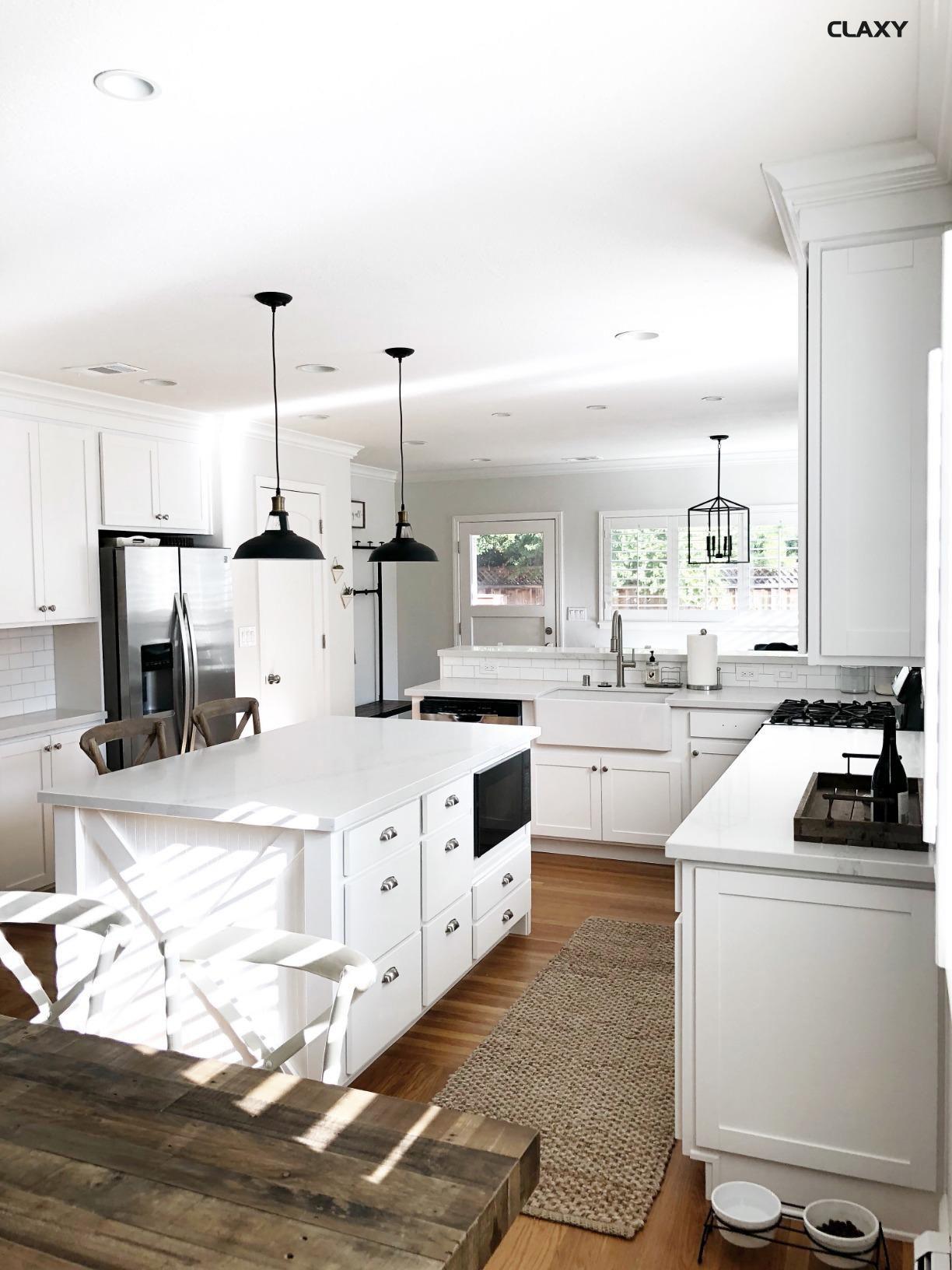 Contemporary Kitchen Interior Design: Modern Farmhouse White Kitchen With Black Fixtures And