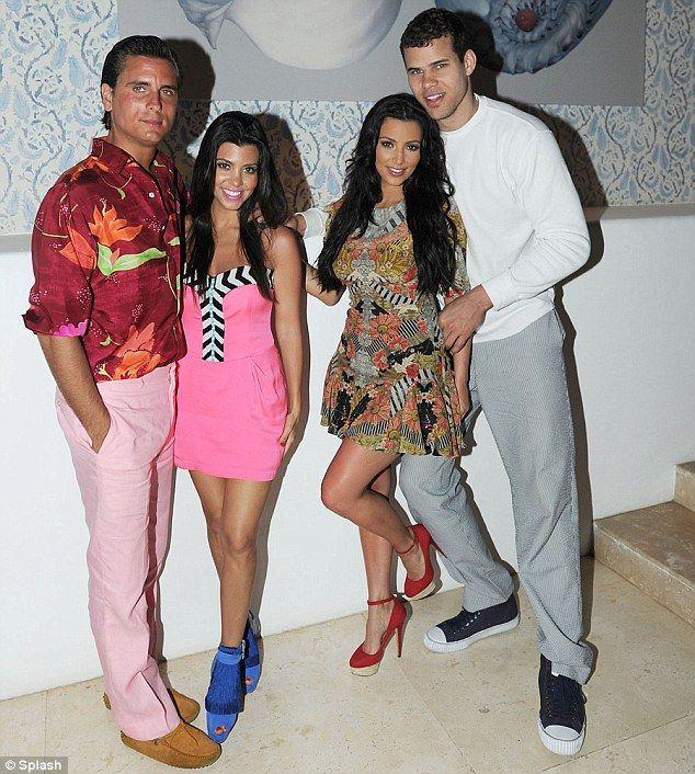 Pix N Pix.: Kim Kardashian And Boyfriend Kris Humphries Celebrate Kourtney's 32nd Birthday