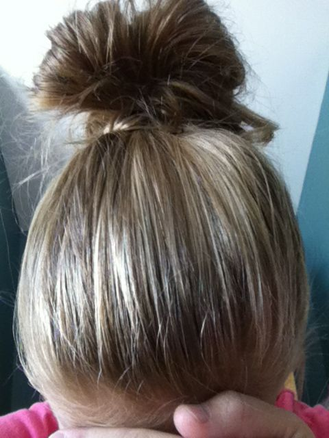 Super easy messy bun!!!!!! Soooooo cute❤