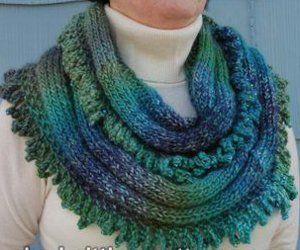 Knit Picky Patterns From Allfreeknitting : Esmeralda Cowl Free pattern, Knitting patterns and Patterns