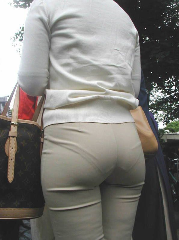 шрапнели белые трусики под штанами парнишка