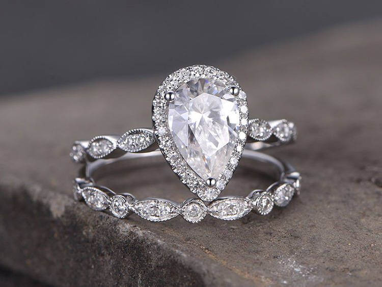 38+ Pear shaped engagement ring with matching wedding band information