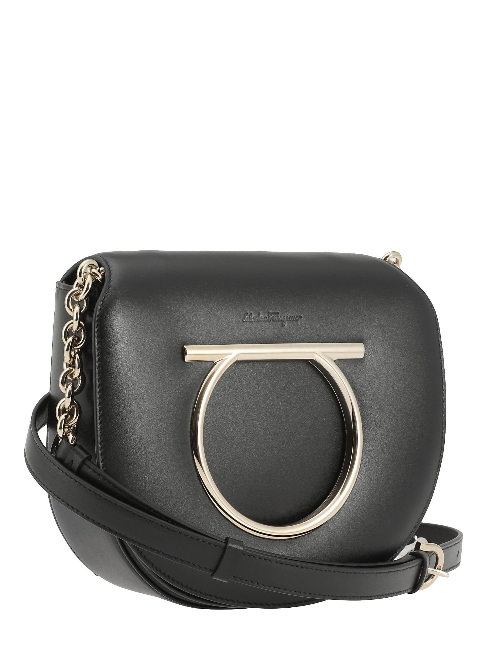 SALVATORE FERRAGAMO VELA BAG.  salvatoreferragamo  bags  shoulder bags   leather   73f6d30afb14c