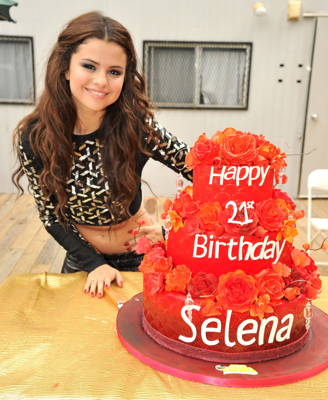 Brilliant Selena Gomez Selena Gomez Selena Selena Gomez Birthday Funny Birthday Cards Online Drosicarndamsfinfo