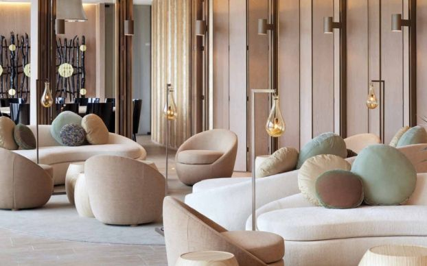 9 Top Modern Chairs From Superb Hotel Lobbies Chair Design Hotel Design Modern Chairs Hotellobby M Lobby Interior Design Hotel Lobby Chairs Lounge Design