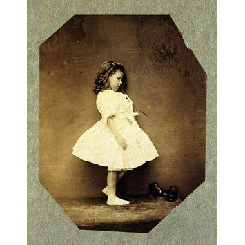 Nineteenth Century Photographers | Elphinstone Agnes Maude barefoot; Photographic Study (ca. 1859 - 1861) by Clementina, Lady Hawarden, (1822 - 1865). © Victoria and Albert Museum, London.