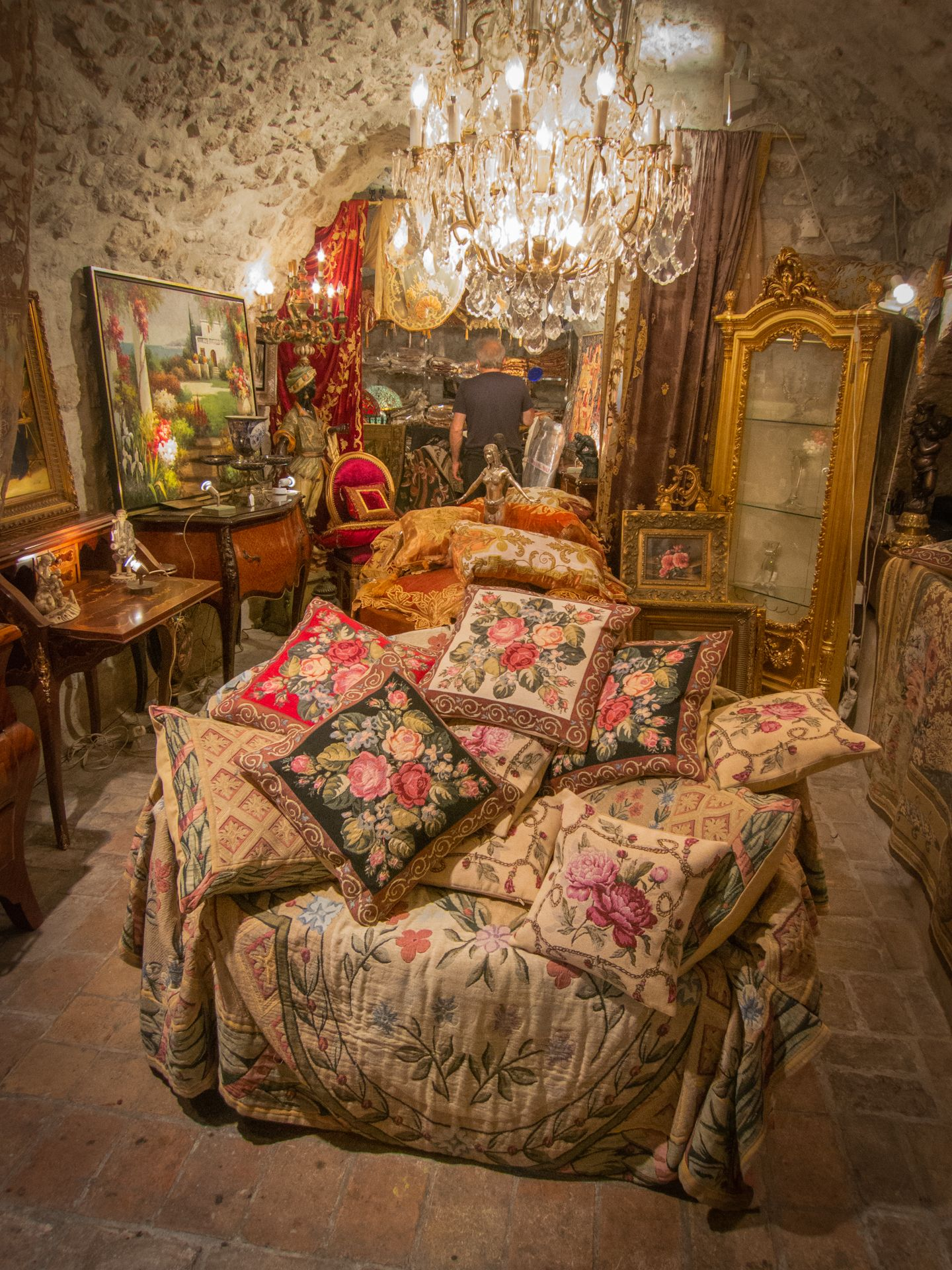Love this store in France | Shabby chic cabin, Decor, Home ...
