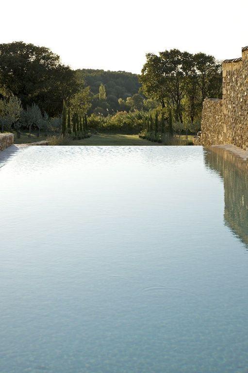 Aigaliers mas de vacances avec 8 chambres pour 16 for Pool bordure