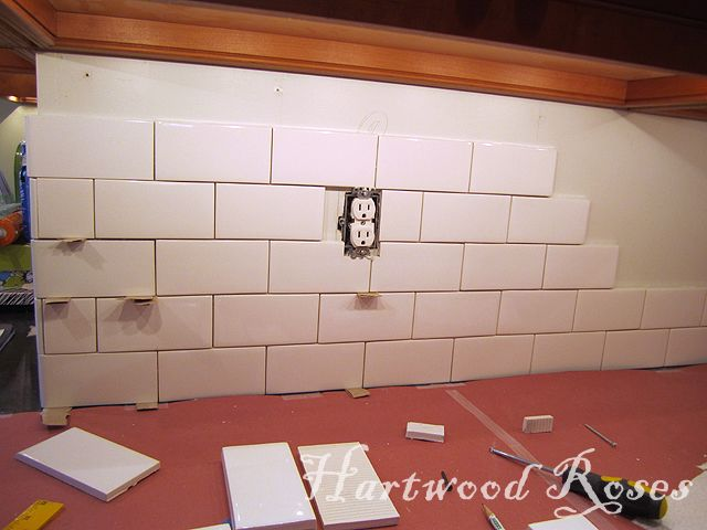 Workday Weekend Tutorial Tiling The Backsplash Backsplash Tiles Hartwood