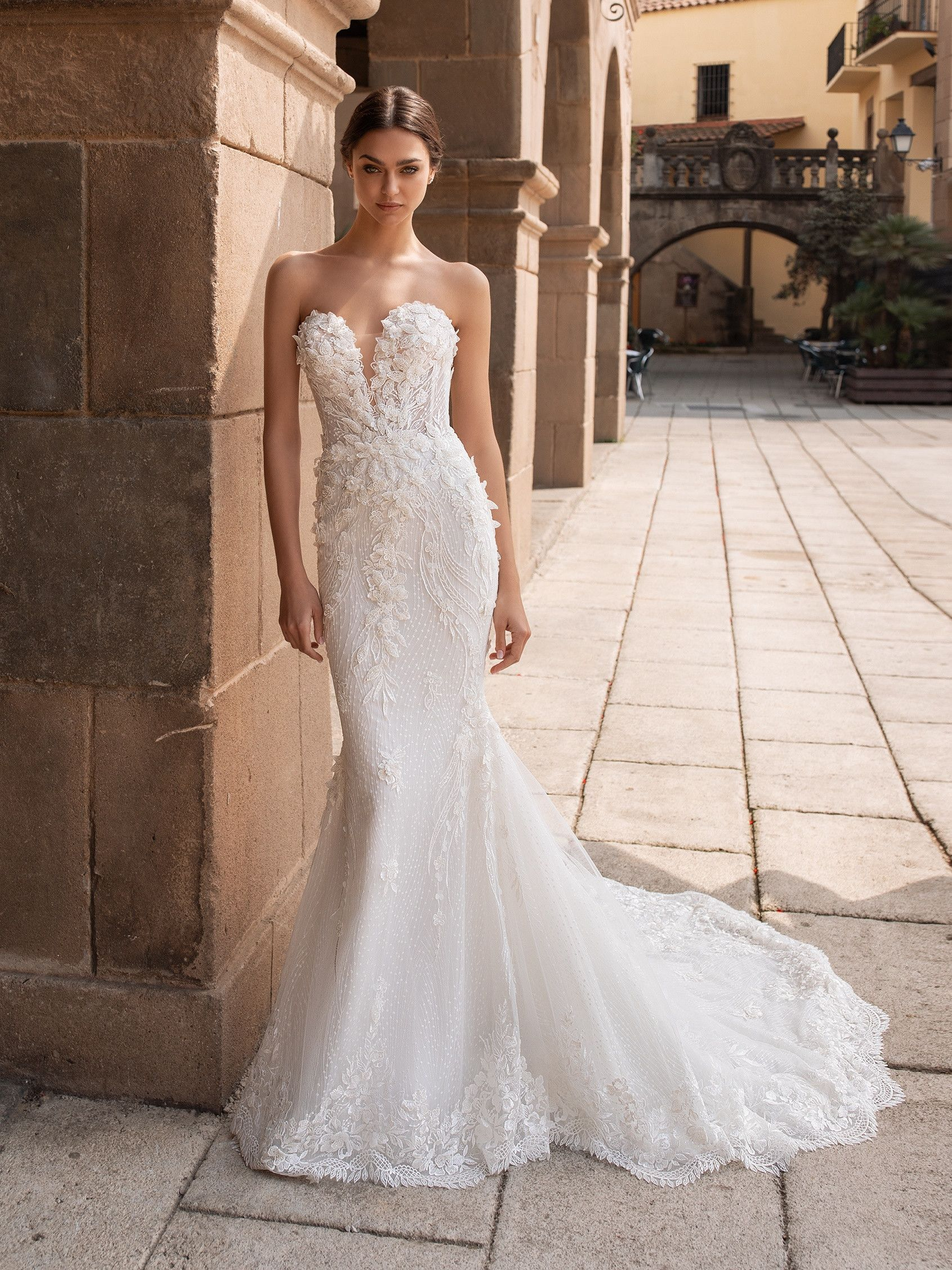 Feel Like An Authentic Princess In Our Mermaid Wedding Dress With A Sweetheart Neckline The 202 In 2020 Pronovias Wedding Dress Mermaid Wedding Dress Wedding Dresses