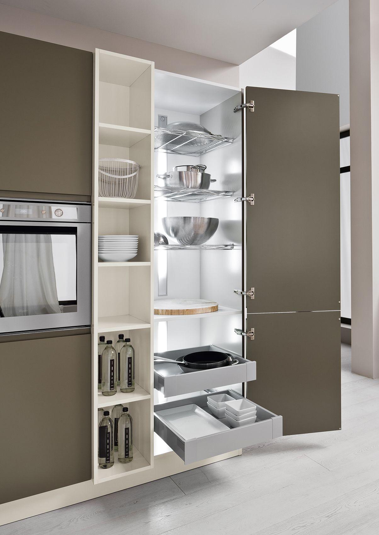 Colonna dispensa in una cucina Arrex. www.arrex.it | proyectos casa ...