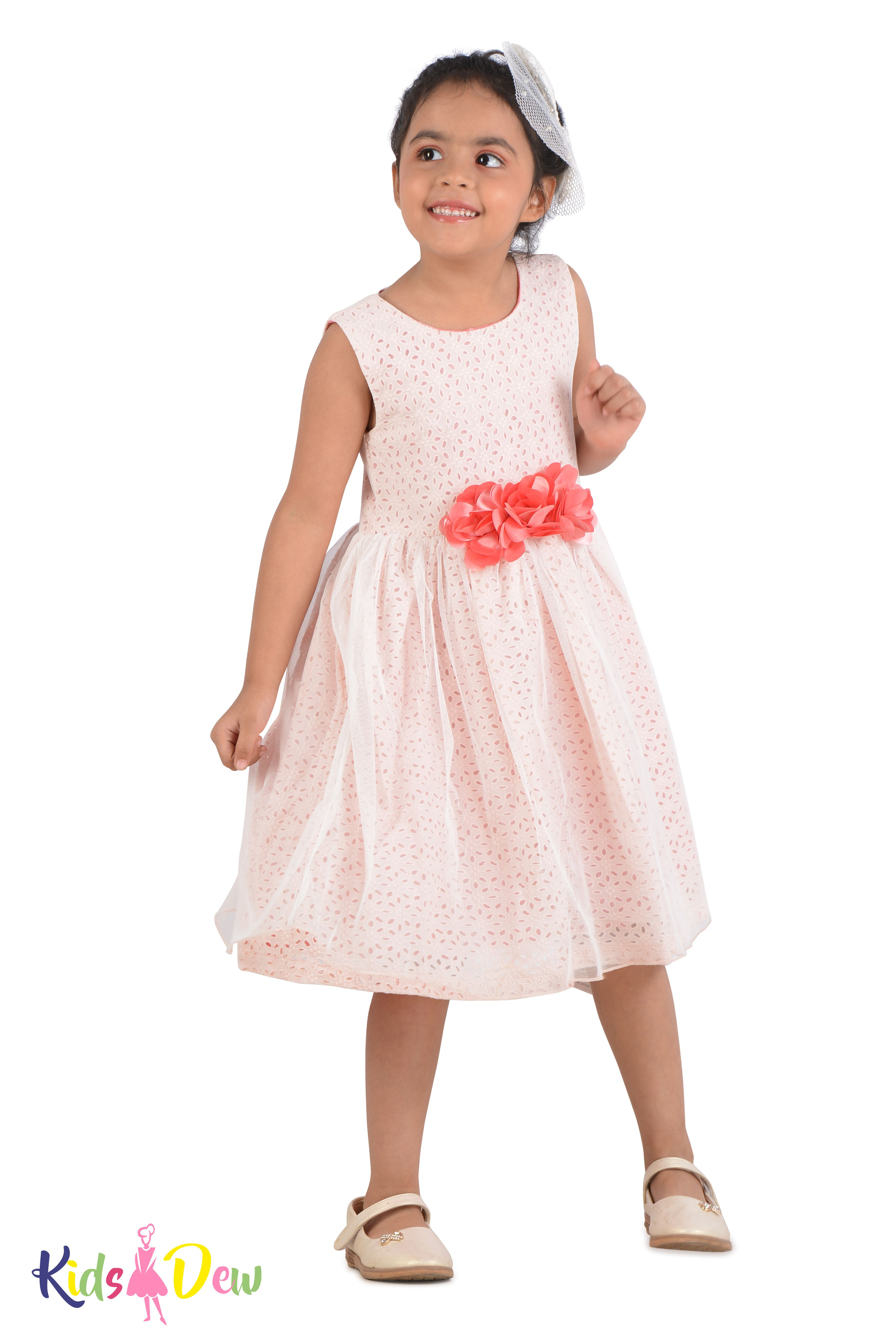 fa4dfab37b04 This Elegant sleeveless Hakoba Dress with pretty rosettes is perfect ...