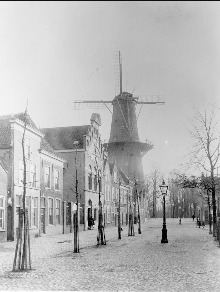 Zijdgracht (now korevaarstraat) with molen de Oranjeboom