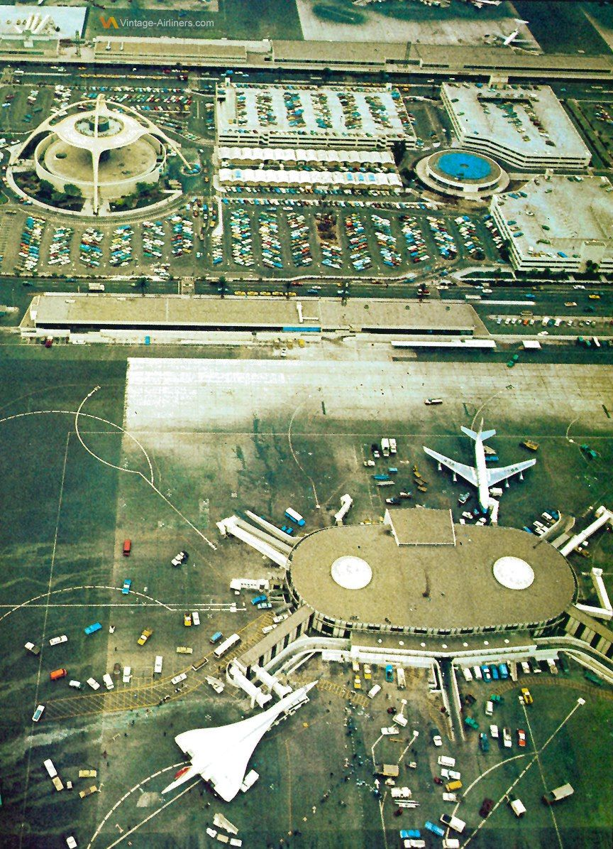 A Special Visitor To Lax Los Angeles International Airport 1970 S Vintage Airlines Vintage Aviation Concorde