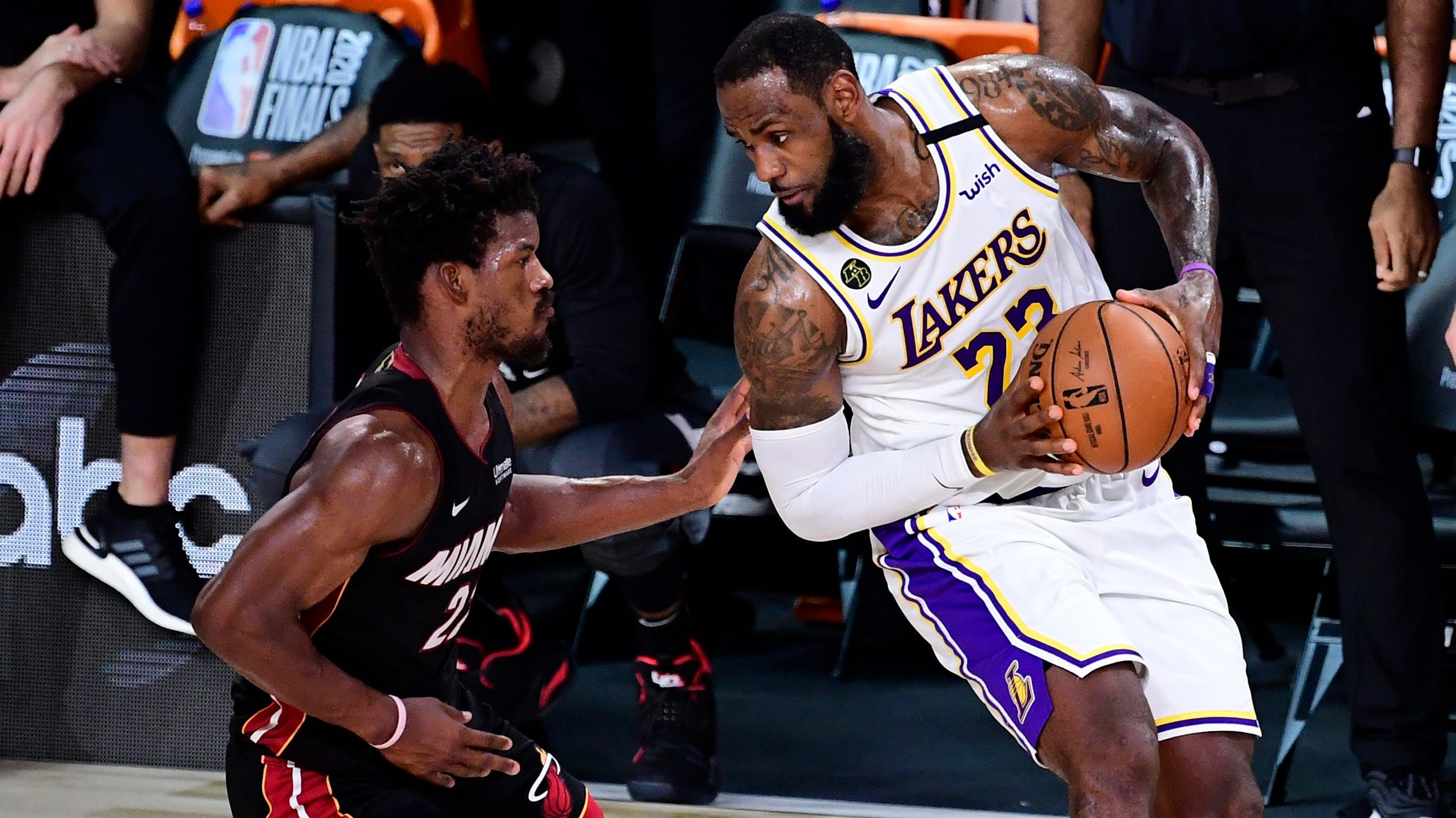 Sports Lakers Vs Heat Three Keys To Watch In Game 6 Of The Nba Finals The Stage Was Set For A Los Angeles Lakers Title Coronati In 2020 Nba Finals Lakers Vs Lakers