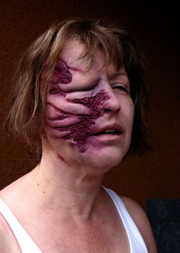 Slit Throat Halloween Make Up Appliance Latex Theatrical Effect Prosthetic Wound