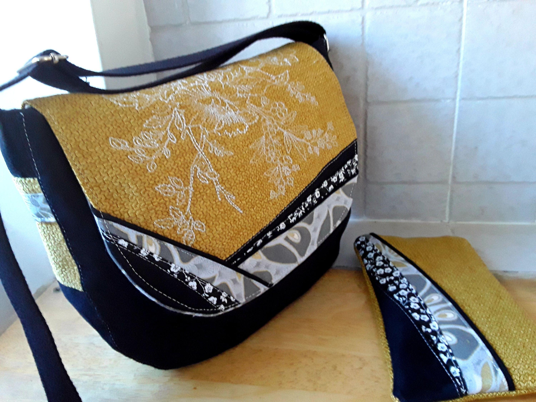 3a311d689e Sac besace, sac bandoulière, en suédine noire et tissu velours jaune  moutarde ,sac à rabat, sac porté épaule,sac à main , pochette assortie de  la boutique ...